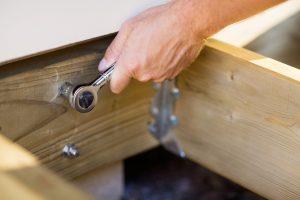 Deck_building_Outdoor_Spaces